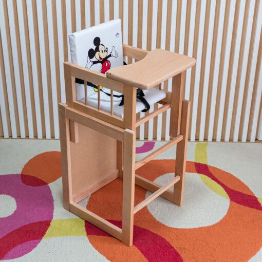 Drvena hranilica za bebe