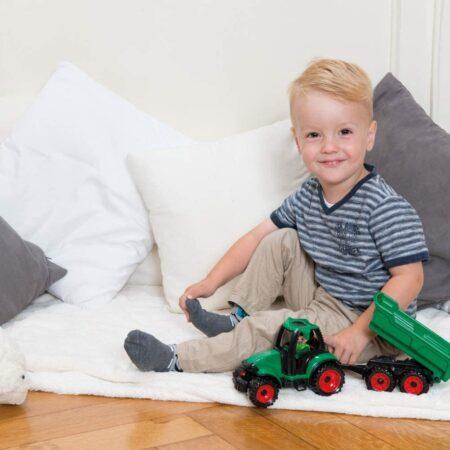 Traktor sa prikolicom Lena